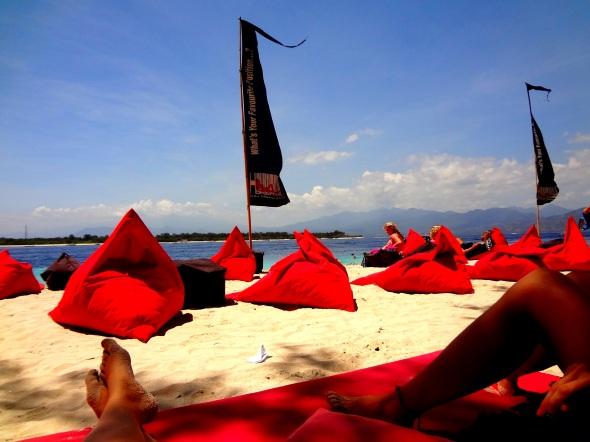 Beach days gili
