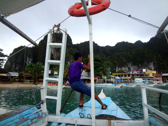 leaving nido to island hop boat
