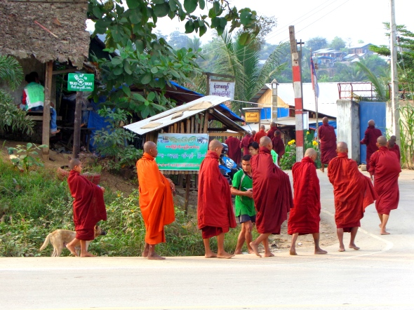 Monks hpa an